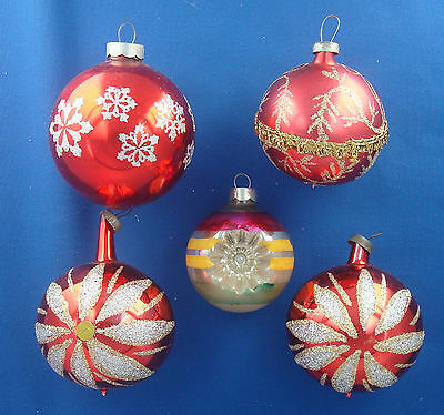 5 fancy glass ball Christmas ornaments vintage reflector & glittered red