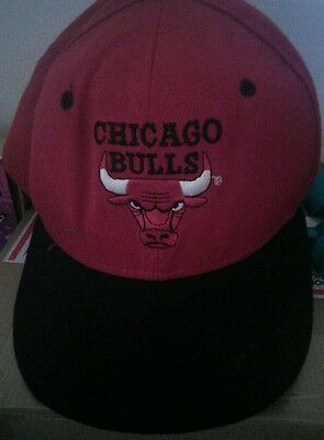 CHICAGO BULLS hat cap 5950 Vintage 1990s New Era Flat Brim Wool Fitted 7 1/4 red