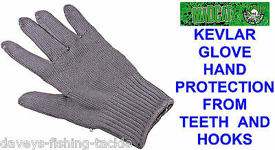 Mad Cat Kevlar Glove Hand Protection For Catfish Teeth Hooks Pike Rod Fishing