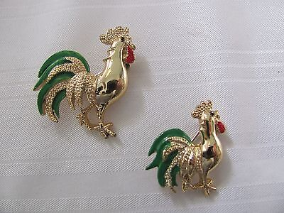Gerry 2 gold plated rooster pins brooch green enamel feathers