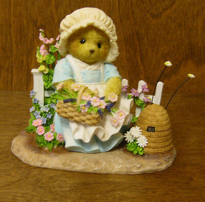 """Cherished Teddies #4036075 CATHERINE, """"IN MY GARDEN, I'M BUSY AS A BEE"""" Mint/Box"""