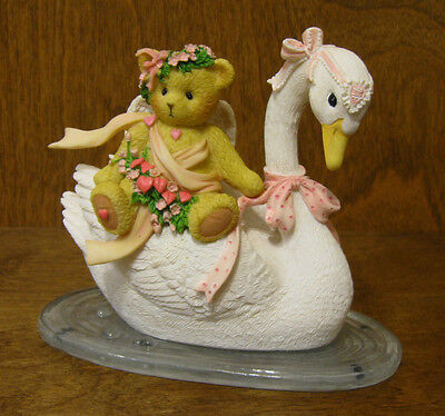 """Cherished Teddies #4036068 MADELYN, """"FRIENDSHIP IS AFLOAT"""" New From Retail Store"""