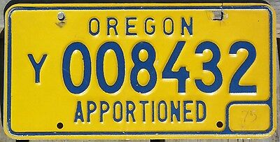 Oregon 1975 APPORTIONED TRUCK license plate - first year!