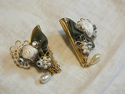Collectible Collar Clip Set 2 Gold Tone Hand Decorated Dangling Faux Pearl WOW