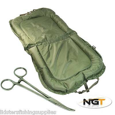 "NGT Carp Fishing Beanie Unhooking Large Mat 110cm x 60cm + 10"" Straight Forceps"