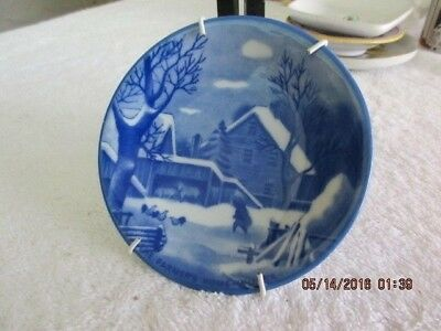 DELF BLUE Butter Pat Pin Dish Wall Decoration Wnter Scene Knobler Japan