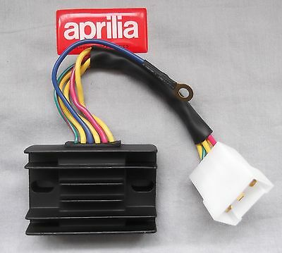 New Aprilia Leonardo Scarabeo 125 150 200 Rotax Regulator Rectifier AP8112906
