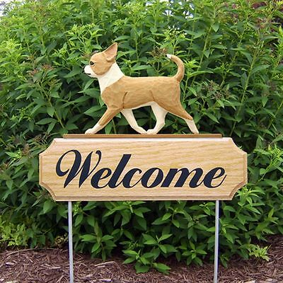 Chihuahua Oak Wood Welcome Outdoor Yard Sign Fawn/White
