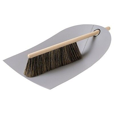 Normann Copenhagen Handfeger und Kehrblech Dustpan and Broom Hellgrau