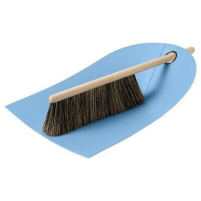 Normann Copenhagen Handfeger und Kehrblech Dustpan and Broom Hellblau
