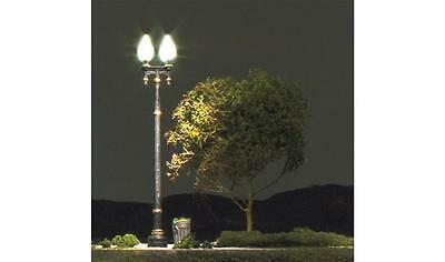 Woodland Scenics  N Double Lamp Post Street Ligh (3)  WOO5640