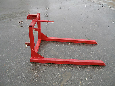 3 Point Hitch Hay Spear  #0903  Red