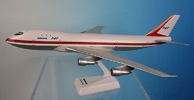 Boeing  747-100   Factory Roll Out  1968 - 1971  Desk Model 1:200