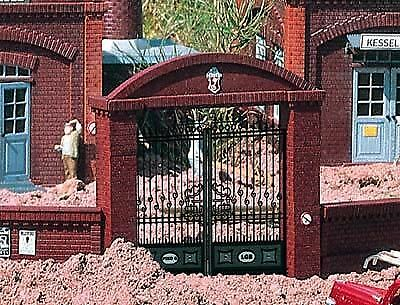 Piko G Scale Factory Gate | Bn | 62289