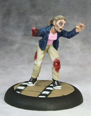 Reaper Miniatures LUCY FEMALE ZOMBIE Chronoscope 50253
