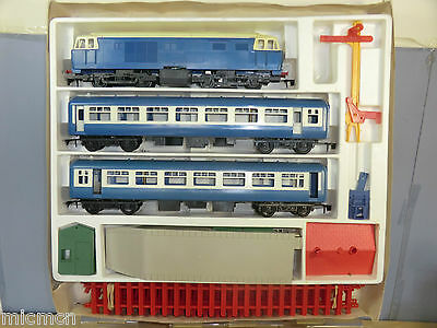 TRI-ANG BIG BIG TRAIN / NOVO MODEL No.77003 BIG BIG PASSENGER TRAIN SET VN MIB