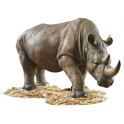 Design Toscano South African Rhino Garden Sculpture / Ornament