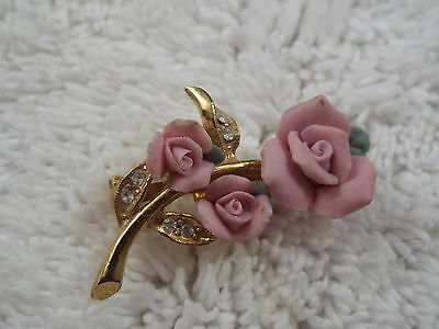 Goldtone Pink Porcelain Rose Pin (C23)
