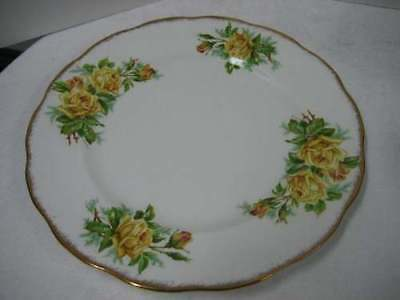 Royal Albert England Tea Rose Yellow Dinner Plate 10.5