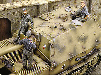 ROYAL MODEL 258 WWII German Crew for Ferdinand Tank  in 1:35