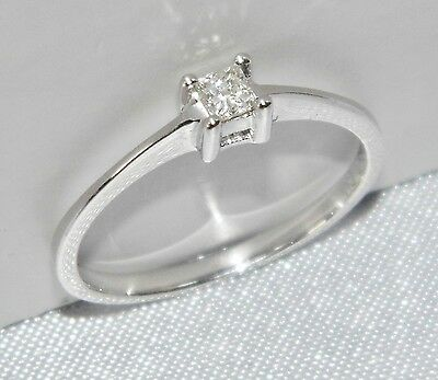 9 CT WHITE GOLD 0.10ct PRINCESS CUT DIAMOND SOLITAIRE RING - SIZE H (small size)