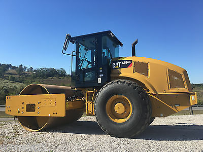 2015 Cat CS64B Smooth Drum Roller 8 Hrs Cab AC & Heat Diesel Vibratory Compactor