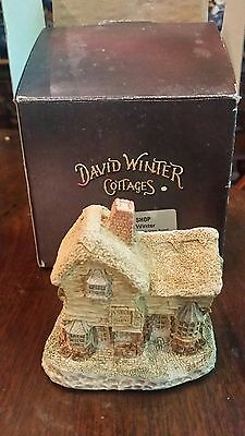 DAVID WINTER JOHN HINE VILLAGE SHOP IN BOX with COA unusual box
