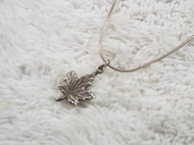 Sterling Silver Maple Leaf Pendant Necklace (C48)