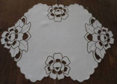 Vintage Linen Centerpiece Doily Cutwork Hand Embroidery Taupe Floral 23""