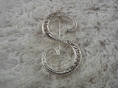 "Large Silvertone Rhinestone Initial Letter "" S "" Pin (B17)"