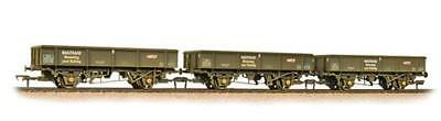 Bachmann OO 38-105 - Triple Pack PNA Rib Wagons - Railtrack Weathered