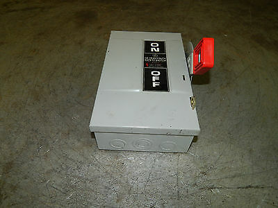 General Electric GE TH3221 Fusible Heavy Duty Safety Switch 30Amp 240VAC 2Pole