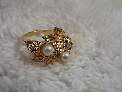 Goldtone Leaf White Bead RING -Adjustable Size 6-8 (C41)