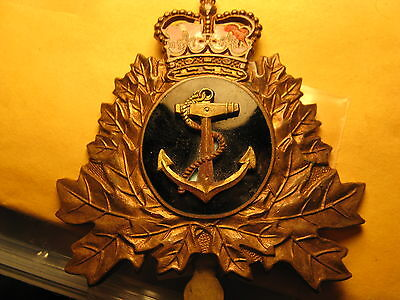 Canada Military Metal Badge Shown In The Pictures Don't Know About It Id#b1065