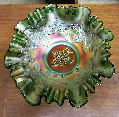 Beautiful Vintage Green Acorn & Oak Leaves Ruffled Carnival Bowl
