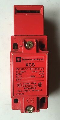Telemechanique XCS A703 071888 Safety Limit Switch
