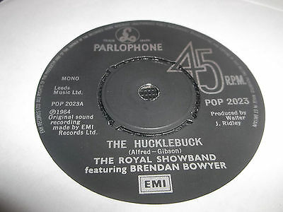 "THE ROYAL SHOWBAND ft BRENDAN BOWYER "" THE HUCKLEBUCK "" 7"" SINGLE POP 2023 EX"