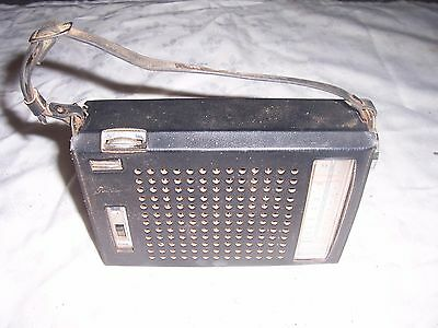 Vintage Japanese Toshiba Portable Transistor Radio Model No 8M-310