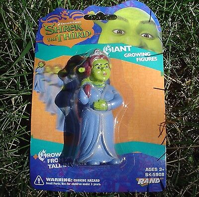 """GIANT Growing Figure FIONA Shrek The Third. Grows from 3"""" to 9"""" Mint In Package!"""