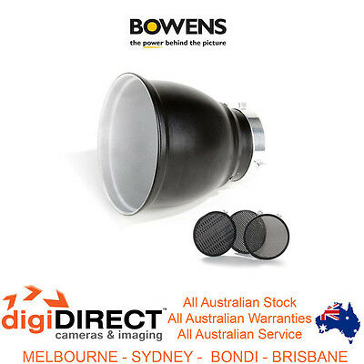 Bowens BW-1865 60 Degree reflector set & 3 honeycomb grids.