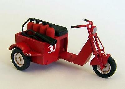 PLUS MODEL AL4028 US Scooter Fire Fighter Resin-kit in 1:48