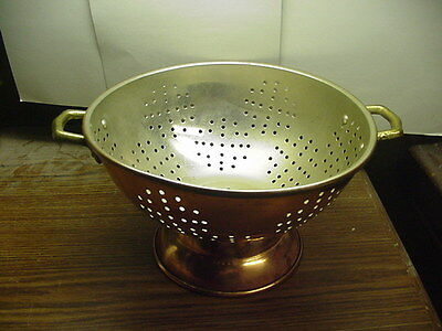 """Vintage Copper Colander Footed 8-1/2"""" Diameter 5-1/4"""" Tall Very Nice Condition"""