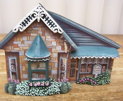 Hawthorne architectural register 78123 carolers in the for Hawthorne fish house