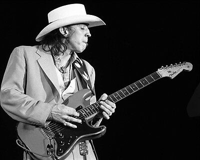Stevie Ray Vaughan 8 x 10 / 8x10 GLOSSY Photo Picture