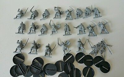 20 x Warriors of Minas Tirith unpainted plastic models complete LOTR The Hobbit