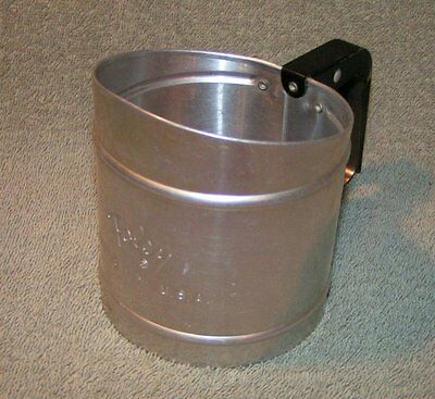 Vintage Foley Hand Held Small Aluminum baking kitchen Flour Sifter 2 Cup USA