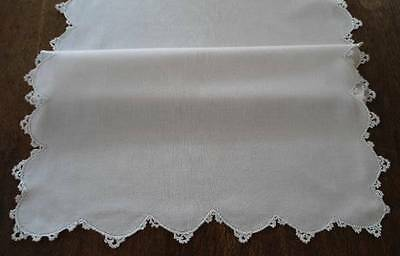 True Vintage Linen Table Runner Fancy Scalloped Crochet Lace Edge 44""