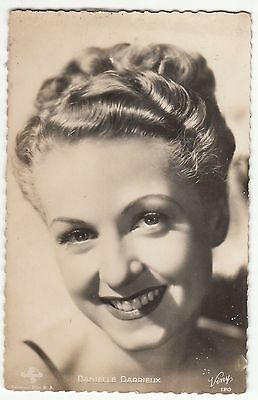 Carte Postale Photo Personnalite  Danielle Darrieux