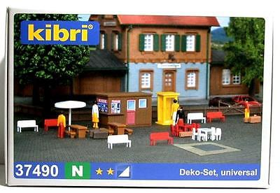 Kibri Accessories Set with Figures - Plastic Kit - N Gauge - 37490