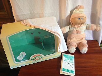 Vintage 1986 Cabbage Patch Doll Baby Powder Doll With Packaging